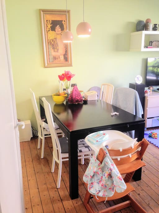Dining table for 4, extra chairs available