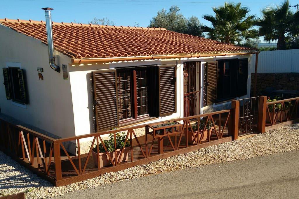Small villa cottage in rural algarve casas de invitados en alquiler en s o bartolomeu de - Alquiler de casas en portugal ...