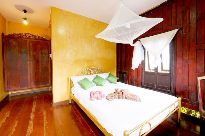 บ้านอีฟ No.6 Ayutthaya Thai House #2rooms 4people
