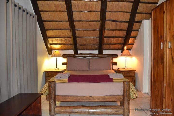 Phumula Kruger Lodge - Chalet 1