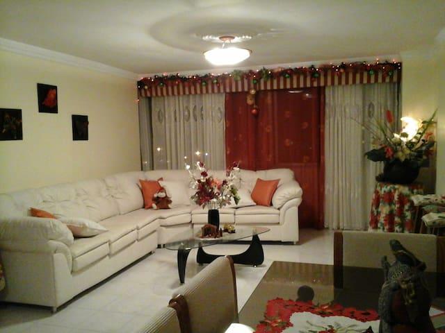 Habitación Matrimonial con todas las comodidades