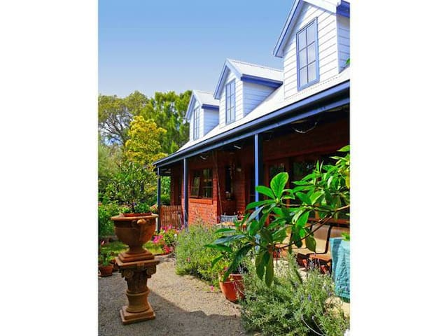 Roseneath Villa B&B - Point Lonsdale
