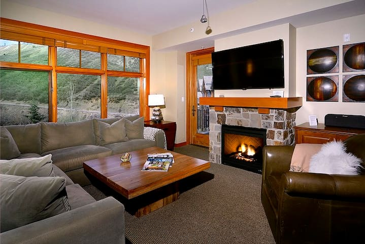 NEW CAPITOL PEAK LUXURY CONDO/APT - Snowmass Village