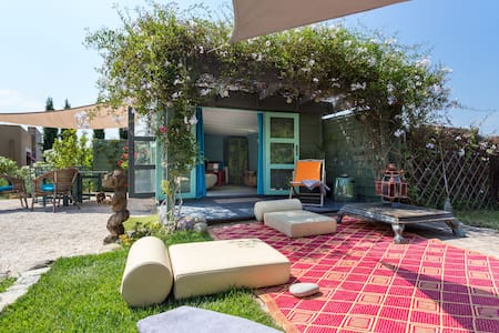 """Eco Cabanon """"HUT""""in garden withPool - Mougins"""