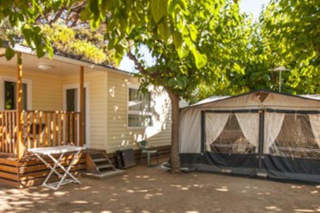 mobile home camping pinar platja bungalows louer santa susanna catalunya espagne. Black Bedroom Furniture Sets. Home Design Ideas