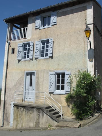 Holiday Home in Aurignac, France  - Aurignac - Hus