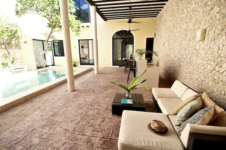 Villa 56 | Stunning home steps from Paseo Montejo