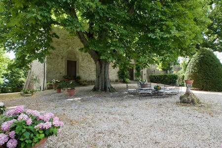 Villa of the 400th with pool close to Florence. - Barberino di Mugello - Villa