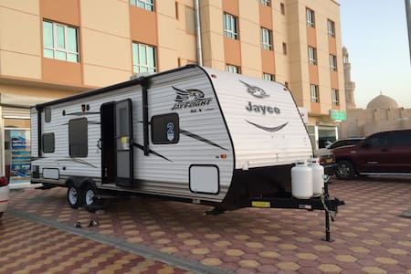 A 8 persons luxury towing caravan - Sib - Autocaravana