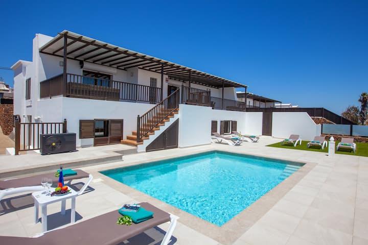 Villa Honey Rose, Guime