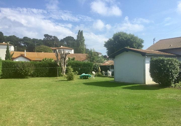 Maison grand jardin proximité de bayonne et plages