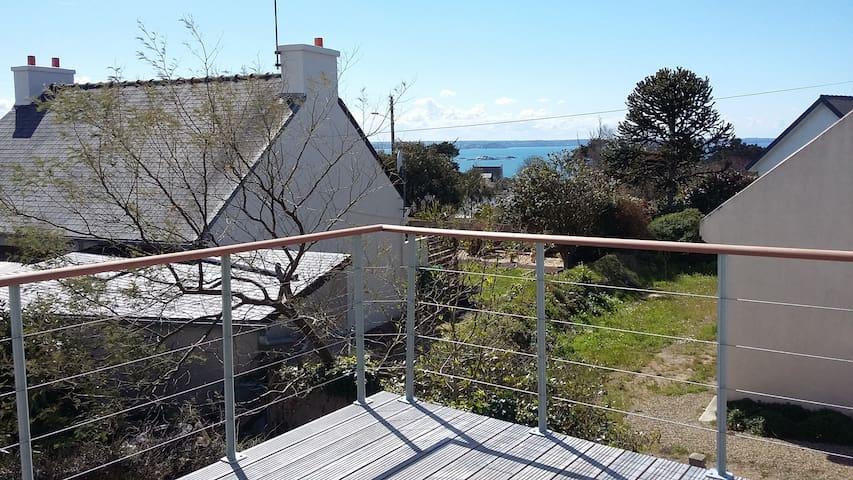 Maison vue mer depuis les hauteurs de Beg Léguer.. - Lannion - House