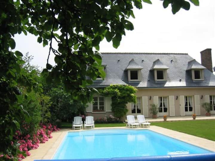 Charming pool villa in Loire Valley