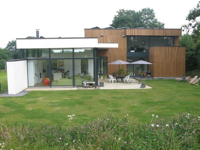 Big modern villa near Waterloo 2015 - Genappe - Huis