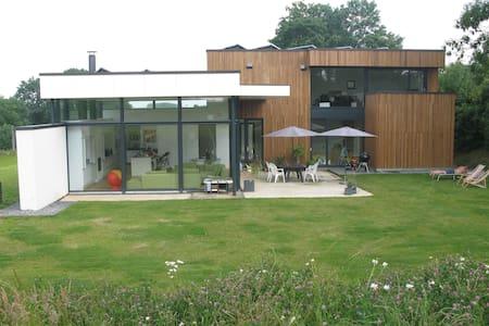 Big modern villa near Waterloo 2015 - Genappe
