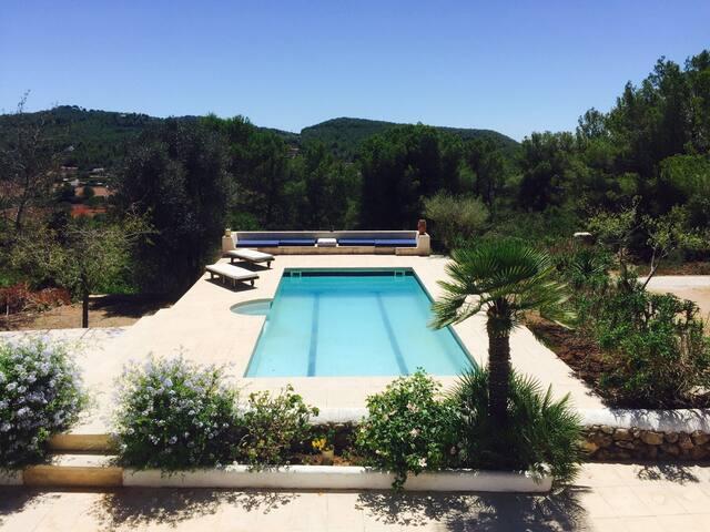Stylish traditional Ibizan Finca in great loaction - Islas Baleares - Villa