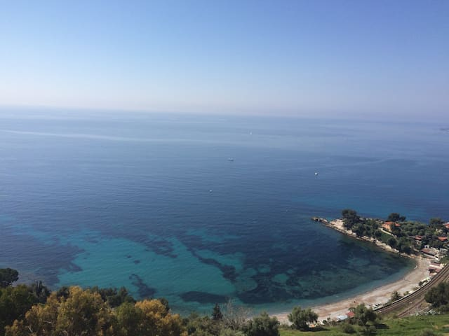 Breathtaking seaview, between Italy - Montecarlo.
