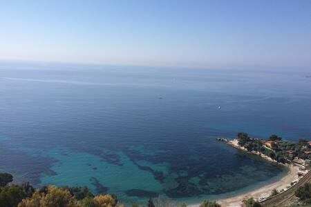 Breathtaking seaview, between Italy - Montecarlo.