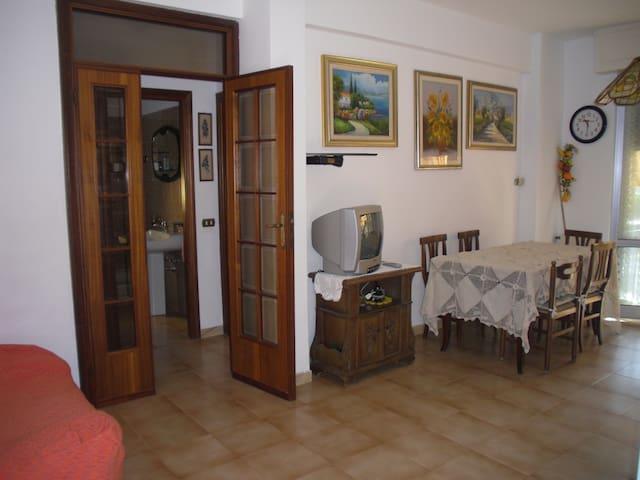 App. pochi passi dal mare Marinella - Marinella di Sarzana - Leilighet