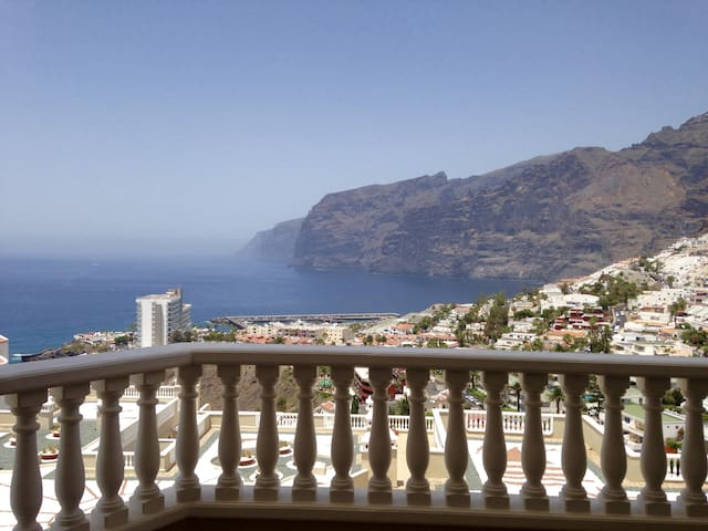 2 Bedroom apt with magnificent terrace view - Santiago del Teide - Apartament