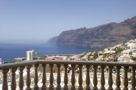2 Bedroom apt with magnificent terrace view - Santiago del Teide - Apartamento