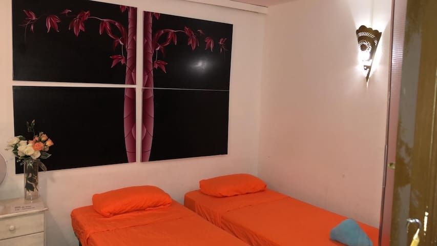 Double Room #05 Red🌹Rose private shower 50m beach