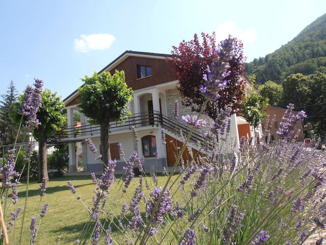 B&B DUE TORRI - visso - Bed & Breakfast