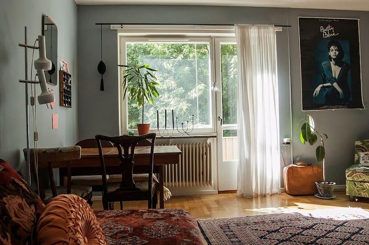 Cozy flat close to city & nature - Stoccolma - Condominio