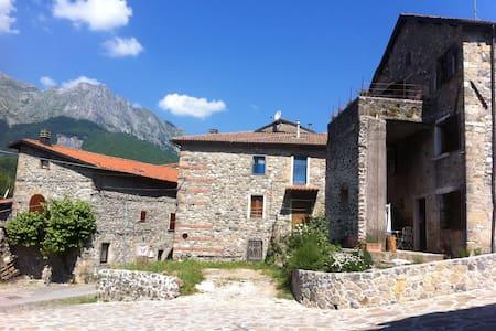 A Tuscan Lakeside Mountain Retreat  - Bed & Breakfast