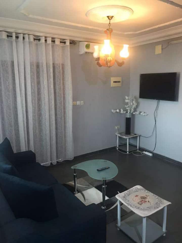 Appartement meublé 2 chambres en bordure de route