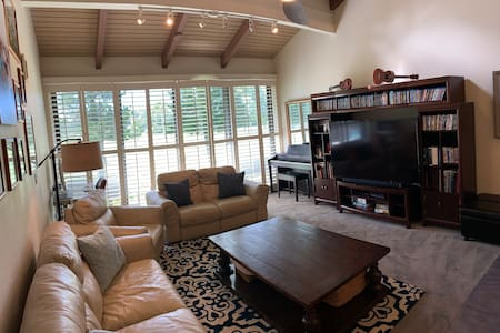 *LEGAL*  Turtle Bay Comfortable and Cozy Remodel