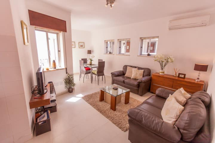 2 Bed Apartment close to beach