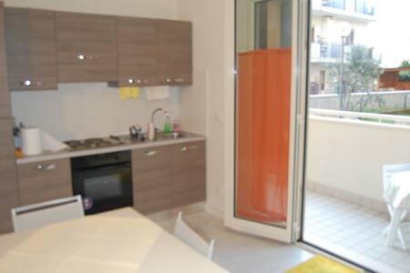 Appartamento al mare di Pineto - Pineto - ที่พักพร้อมอาหารเช้า