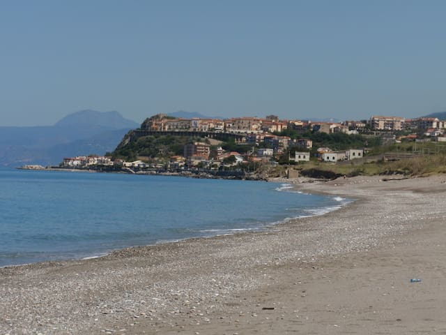 On the beach in undiscovered Italy - San Lucido - Appartement
