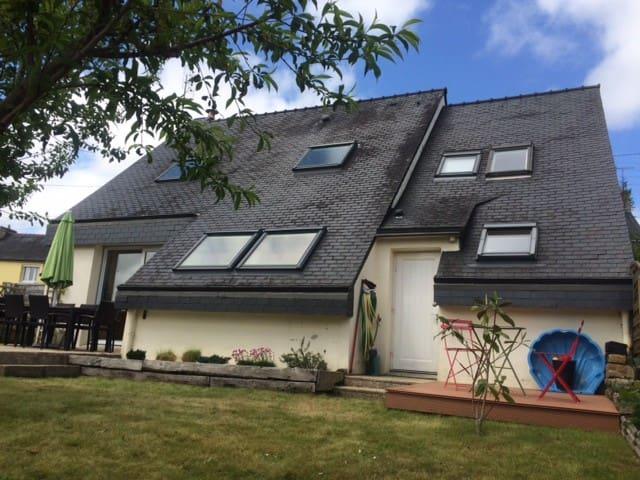 Maison contemporaine avec jardin - Quimper - Hus