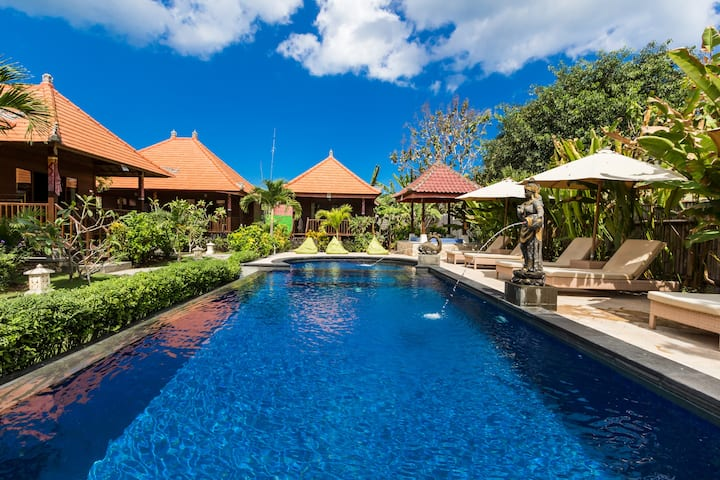 ESCAPE, RELAX AND COMFORTABLE  HOLIDAY WITH BUDGET