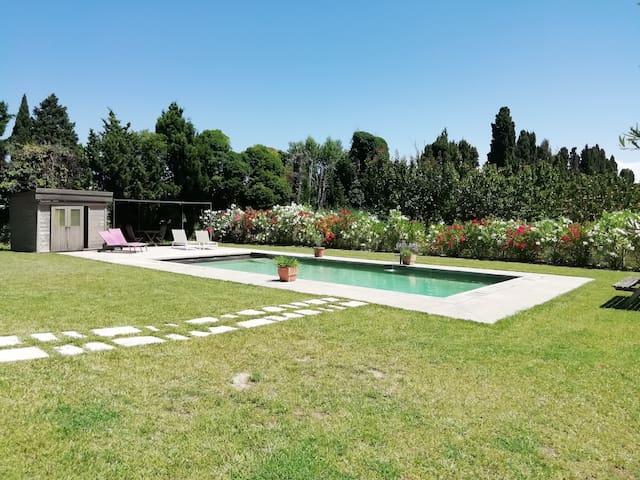 Jolie villa, 3 ch, 3 sdb, au calme avec piscine