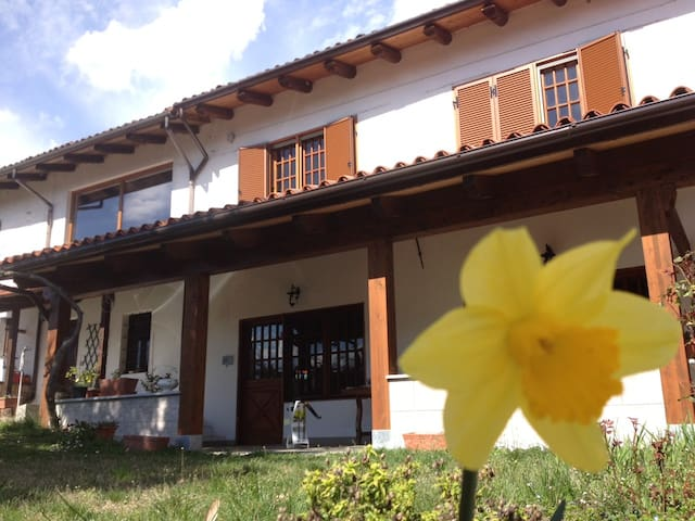 Cascina Dovese - Monferrato hills - Gabiano - Bed & Breakfast