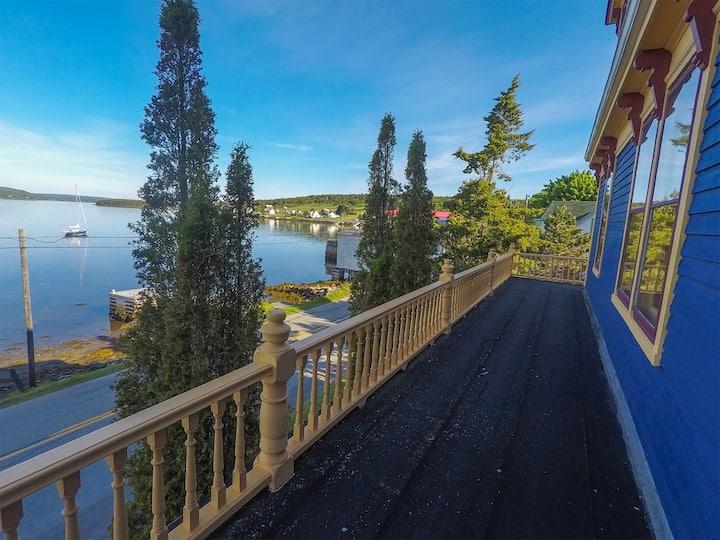 Riverport, Nova Scotia - A Costal Retreat