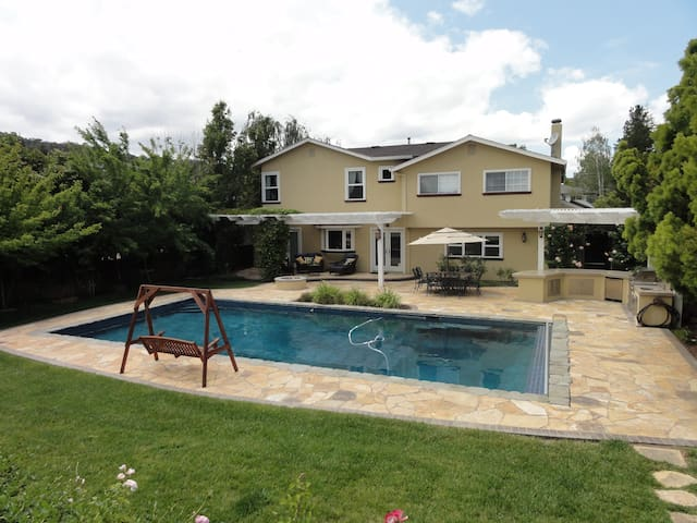 Spacious Family Home 4BR/3BA + Pool - San Jose - Casa