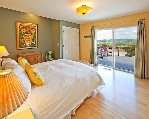 Riverview room lets you wake to the sunrise.