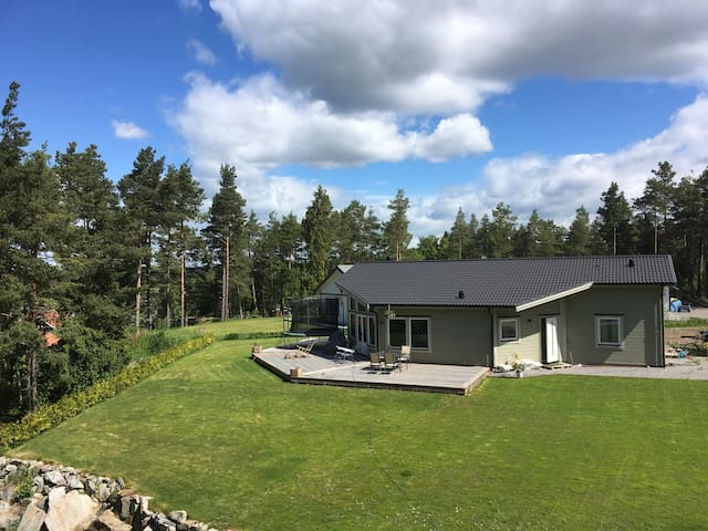 Nybyggd modern villa