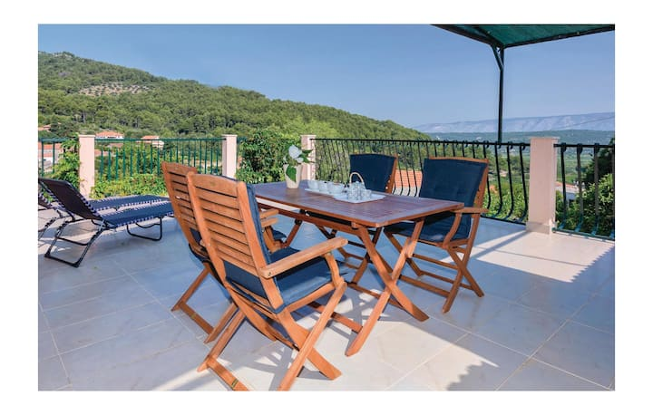 Holiday cottage with 1 room on 52m² in Stari Grad