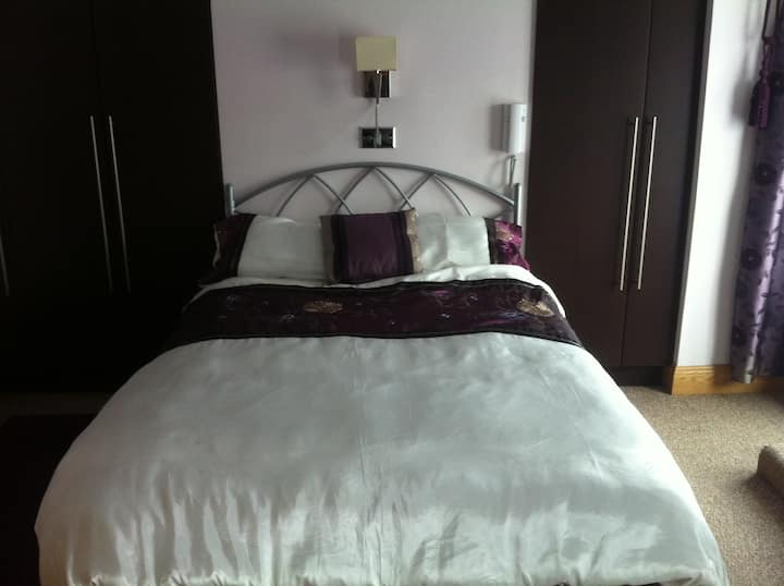Luxurious and spacious house in Kerry(double room)