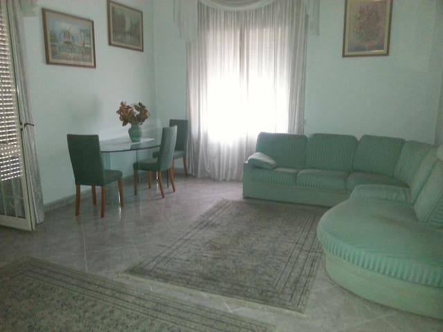 AFFITTASI APPARTAMENTO - Gricignano - อพาร์ทเมนท์
