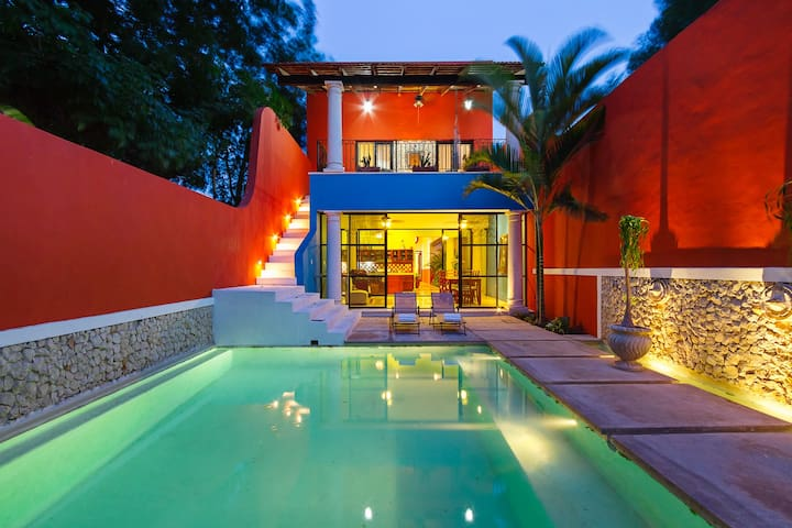 Colorful family-friendly hideaway in urban Mérida - Mérida - Hus