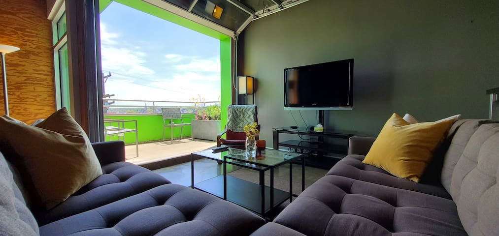 Sunny Loft with Stunning East End View