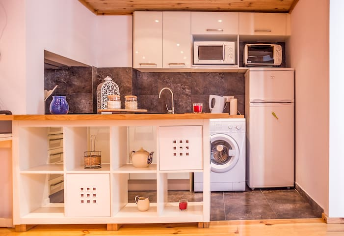 Kitchen space full equipped