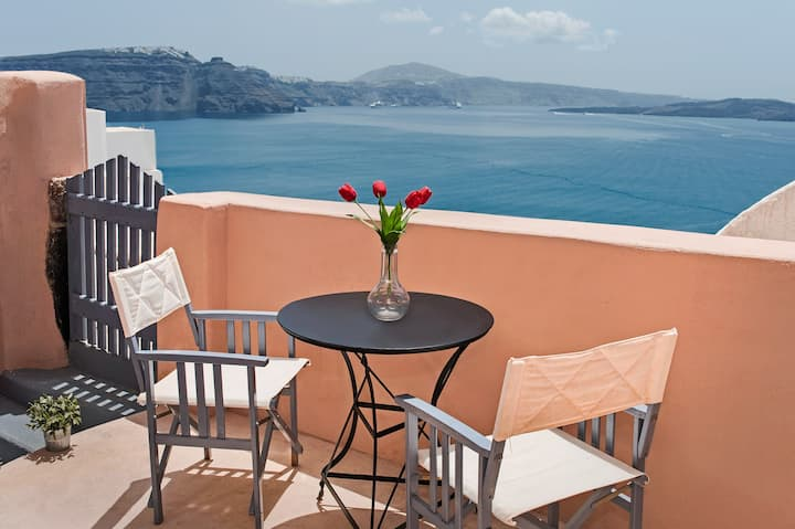 OIA BREEZE HOUSE-VOLCANO VIEW