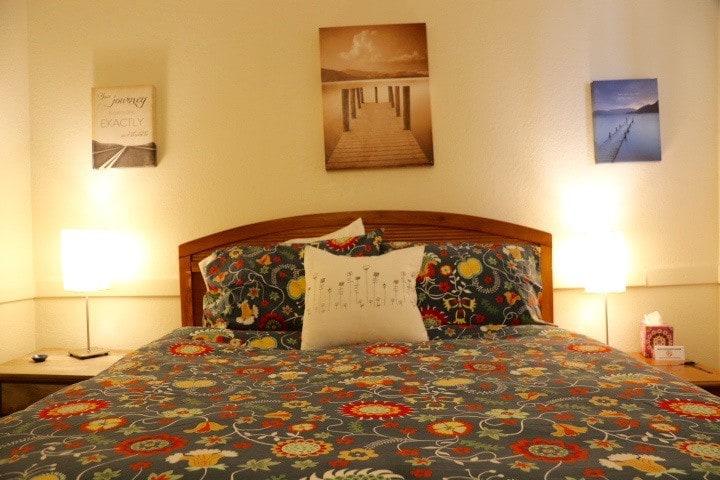 Mancos Inn - Room 3 Private Bath